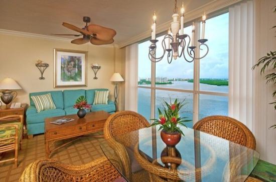 Lovers Key Resort : Luxury Living Room