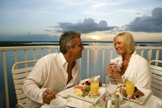 Lovers Key Resort: Couple At Breakfast