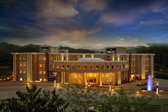 Golden Tulip Chandigarh Panchkula