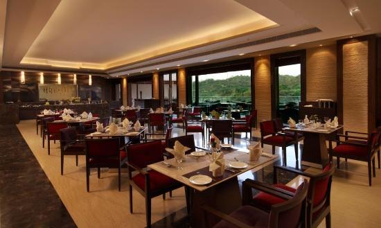 Golden Tulip Chandigarh Panchkula Restaurant
