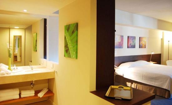 Uno Buenos Aires Suites: Foto Restroom