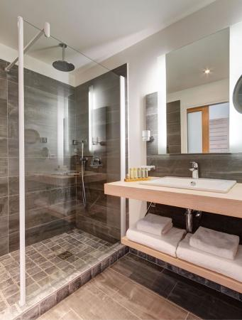 Hôtel Carré Noir : Bathroom