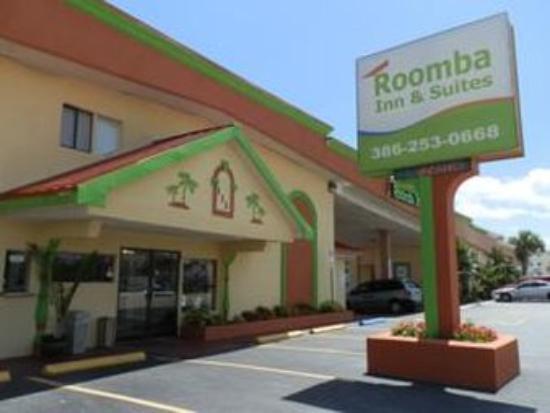 Roomba Inn & Suites: Exterior