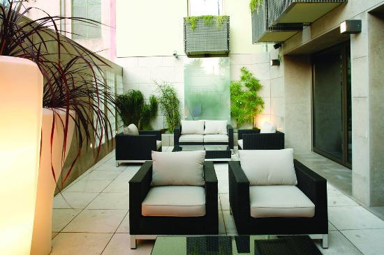 Neya Lisboa Hotel: Terrace