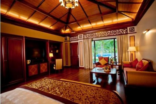 Vinpearl Luxury Nha Trang: Poolside Villa