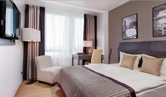 City Hotel Hamburg Mitte: Guest room