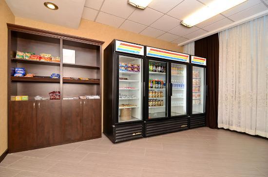 Convenience Store Sundry Picture Of Wyndham Garden Schaumburg Chicago Northwest Schaumburg
