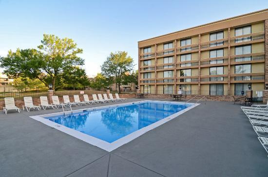 swimming pool picture of wyndham garden schaumburg chicago northwest schaumburg tripadvisor