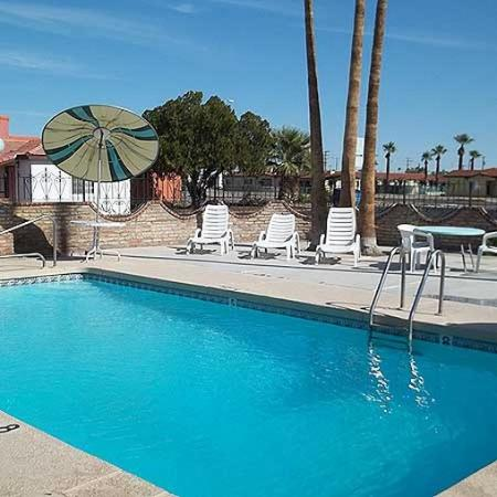 Hacienda Motel Yuma: Pool