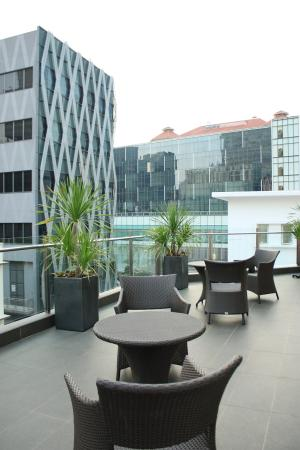 Fragrance Hotel - Riverside: Outdoor Seating Area