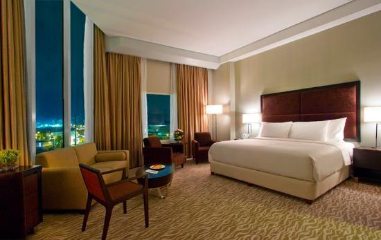 Acacia Hotel Manila: Junior Suite