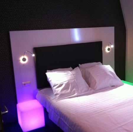 Hotel Vossius Vondelpark: Standard Double Twin Room