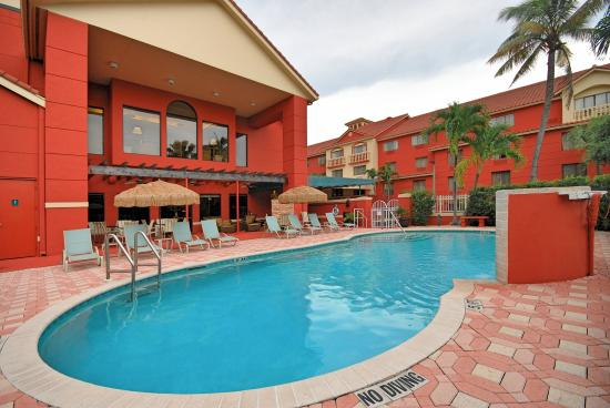 Best Western Plus Palm Beach Gardens Hotel & Suites & Conference Center: Pool