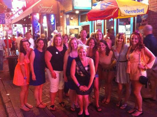 Hick Chick Tours Pub Crawl