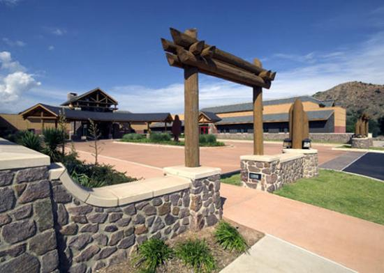 Lone Wolf, OK: Lodge Entrance