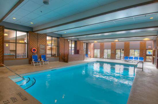 The Grand Georgian - Blue Mountain Resort : Indoor Pool