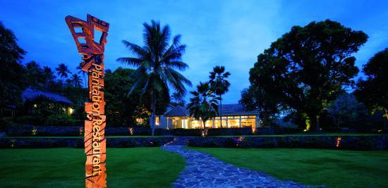 Laucala Island Resort : Plantation House Restaurant At Night
