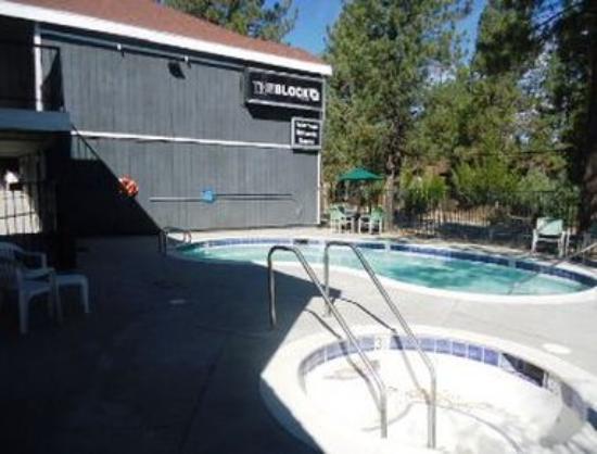 Travelodge Big Bear Lake: Pool.