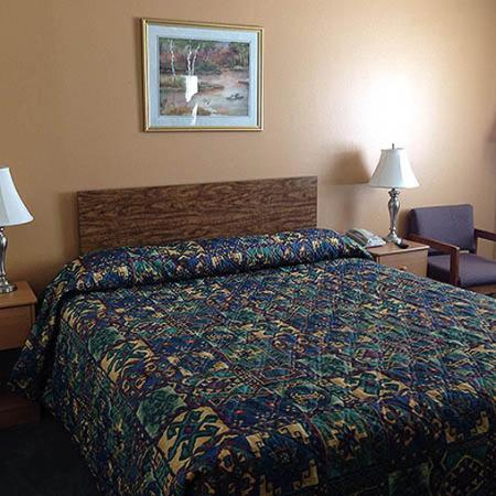 Diamondville, WY: King Bed