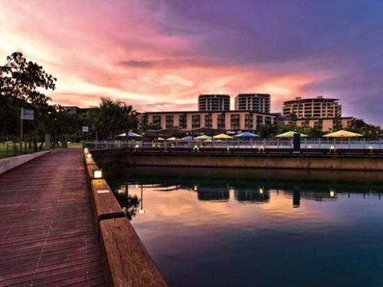 Adina Apartment Hotel Darwin Waterfront : Medina Grand Waterfront Exterior