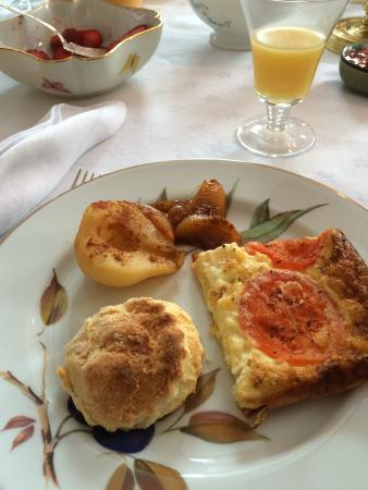Morningside Inn: Biscuit, quiche, and pears for breakfast (bacon, sausage, fruit, yogurt, granola not pictured).