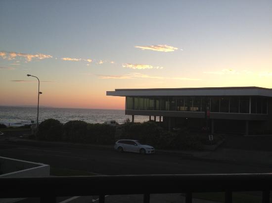 Mollymook Shores: Sunrise from Balcony