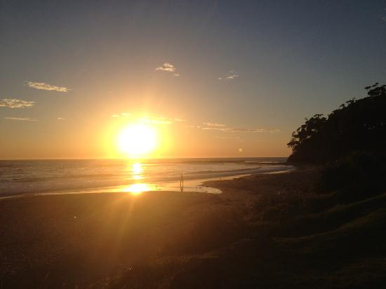 Mollymook Shores: Sunrise at the Beach