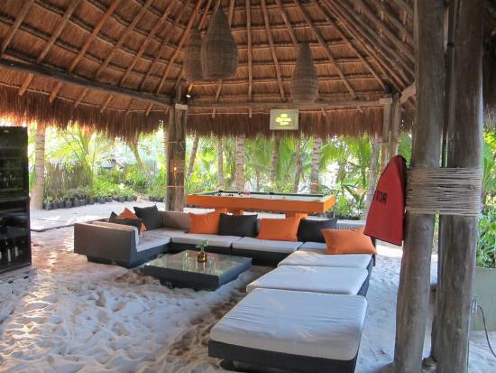 Ziggy's: Lounge Area
