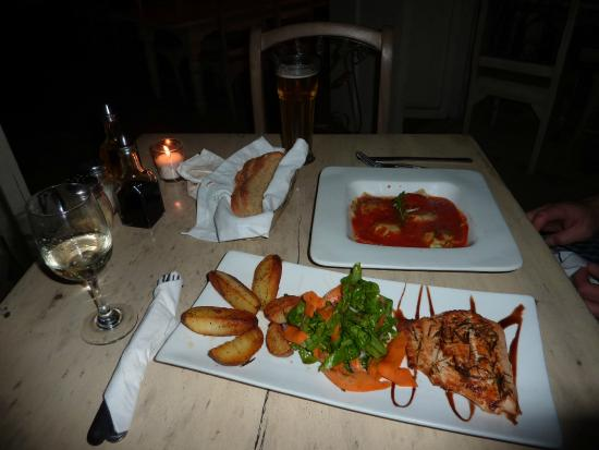 Casa Mia : Spinach Stuffed Ravioli and the Baked Salmon