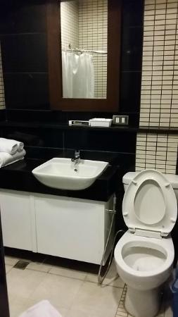 Francesco's Inn and Restaurant: Nice washroom wares and fixtures