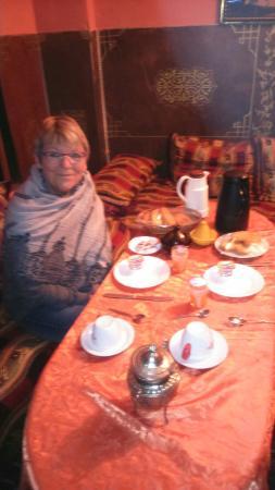 Le petit déjeuner à Dar Tamo à 4h30. Si si tout prêt
