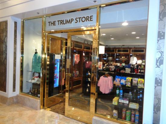 Trump International Hotel Las Vegas: GIFT SHOP