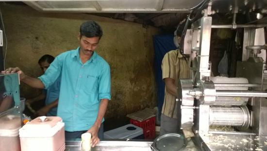 Linking Road : Soft Drinks