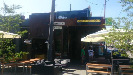 Wonderland Bar