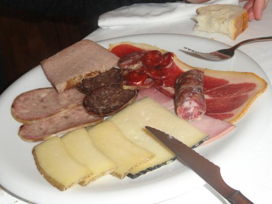 Embutidos y queso