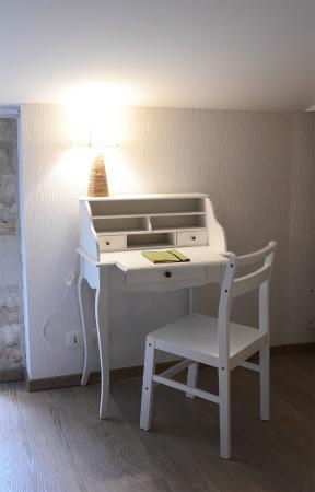 Maison d'hotes de la Groie L'Abbe: le bureau chambre maragot