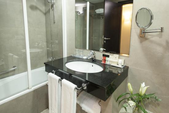 Hotel Molina Lario: Baño