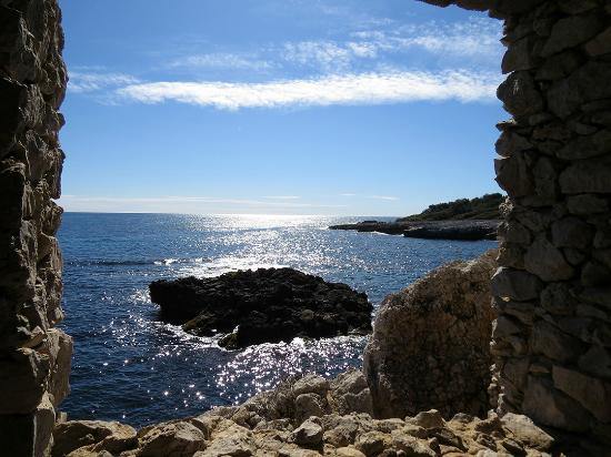 Una finestra sul mare foto di le sentier du littoral - Una finestra sul mare ...