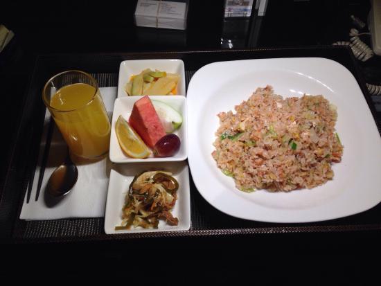 THE Tango Taipei XinYi: Wok fried rice with salted salmon (room service)