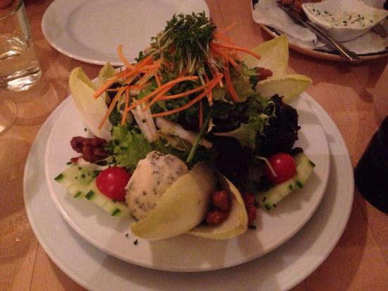Gugelhof: Small salad - large enough to split