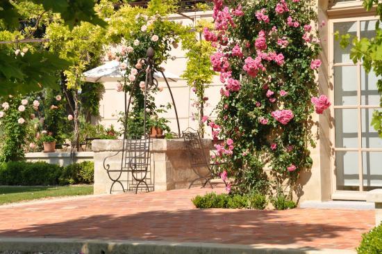 Chateau Gigognan : Spring in Gigognan