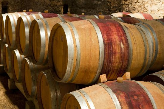 Chateau Gigognan : Ageing in our wine cellar
