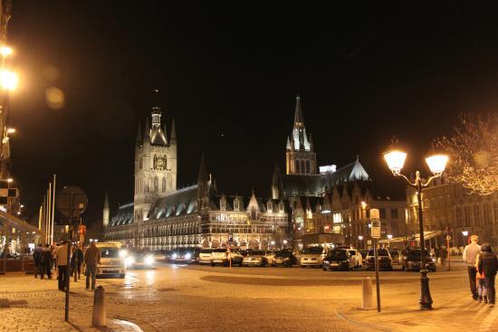 Ambrosia Hotel : Ypres, Market area