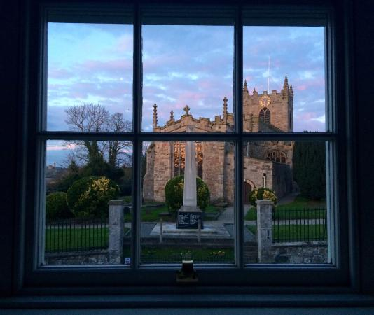 Churchbank Bed and Breakfast: Early morning view from the Panel Room