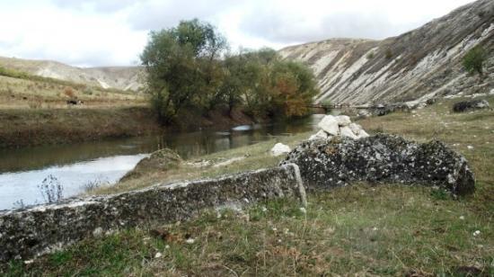 Old Orhei Archeological Complex: Тихое место за селом Требужены, отлично подходит для походов