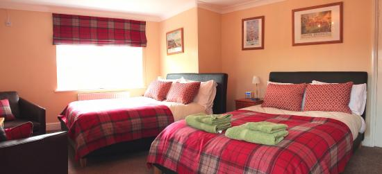 Chimneys B & B: Queen Mary Room - luxury twin or family room