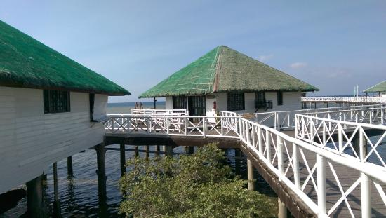 Calatagan, Philippines : Room on stilts