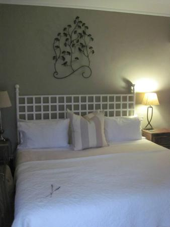 Cathkin Cottage Bed and Breakfast: Romantic