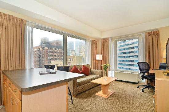 Comfort Suites Michigan Avenue / Loop: King Living Room