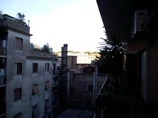 B&B Danilo Roma: Innenhoflage mit (italienischer) Ruhe